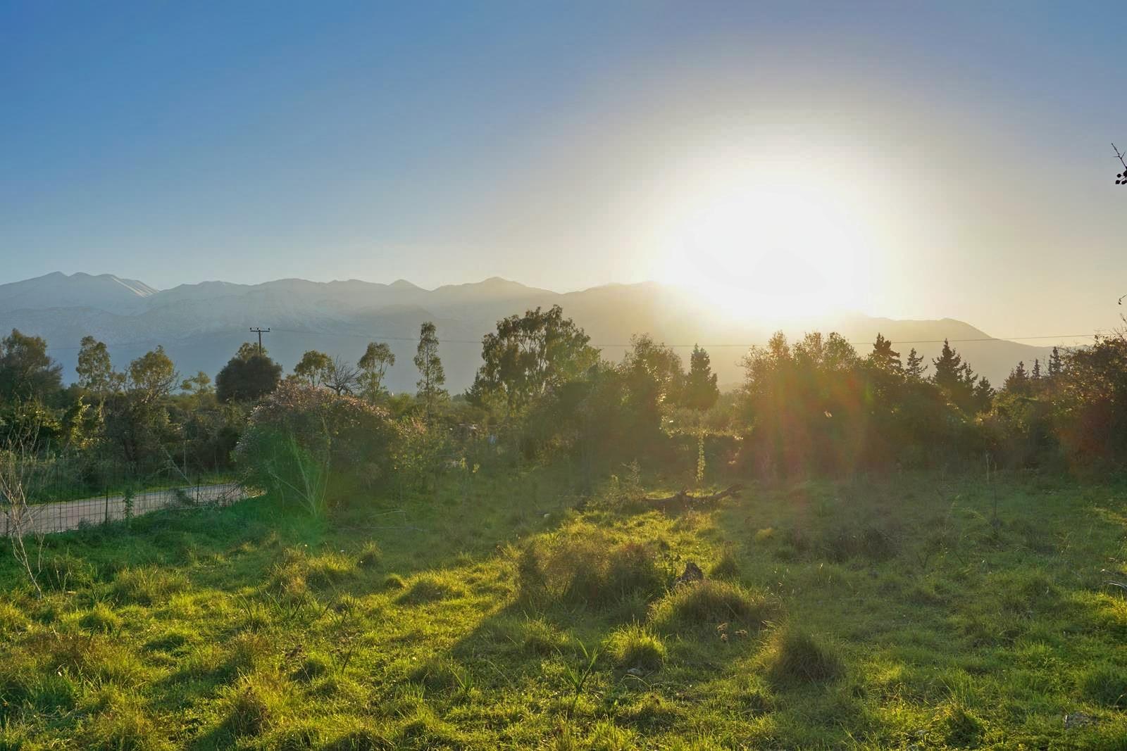 Plot with White Mountains view in Xirosterni