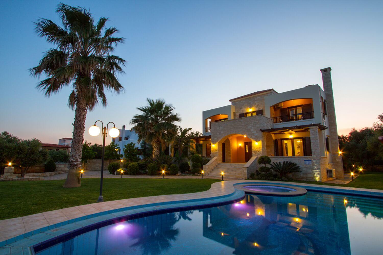 Luxury villa with a pool near Kolymbari