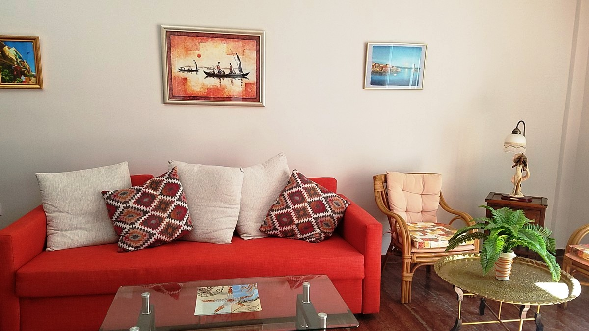 Spacious apartment in Nea Chora