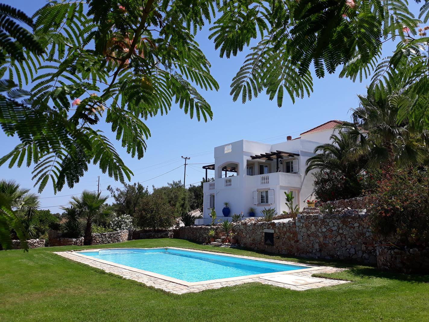 Stunning villa with sea and White Mountains views in Kokkino Chorio