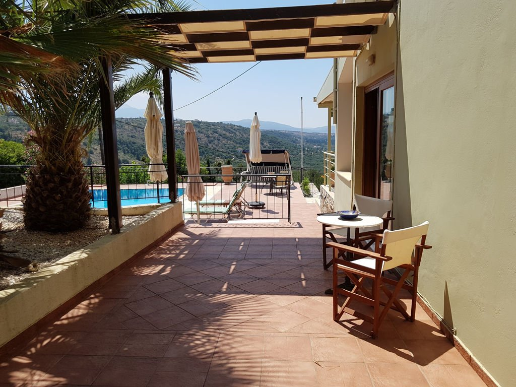 High quality villa with panoramic sea and mountains views