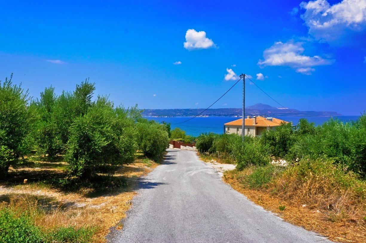 Plot with olive trees and sea view in Kalyves
