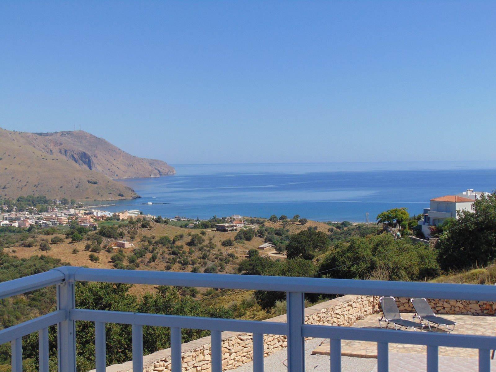 Villa with breathtaking views to the sea and mountains