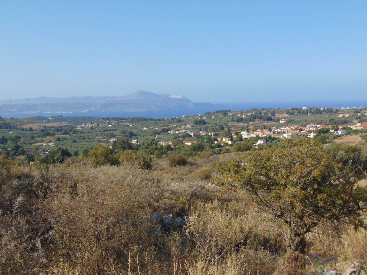 Building plot in Vamos with panoramic sea and mountain view