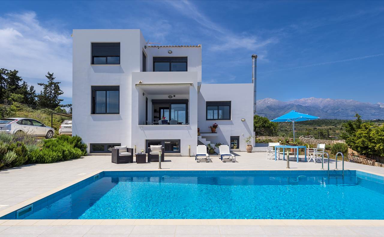 Luxury villa with sea and White Mountain views in Vamos